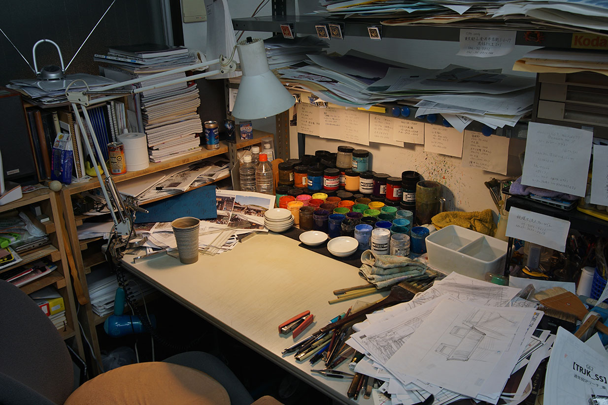 Hiromasa Ogura desk Anime Architecture